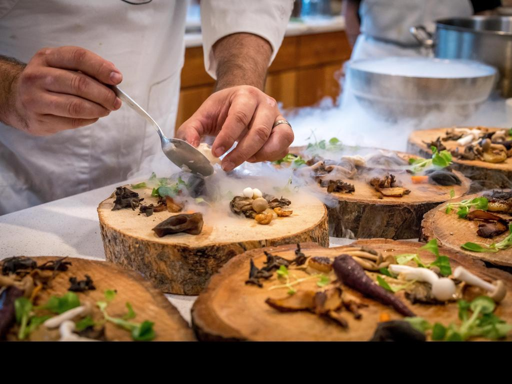 Opening a restaurant – 7 critical tips to effectively start your restaurant on the correct path