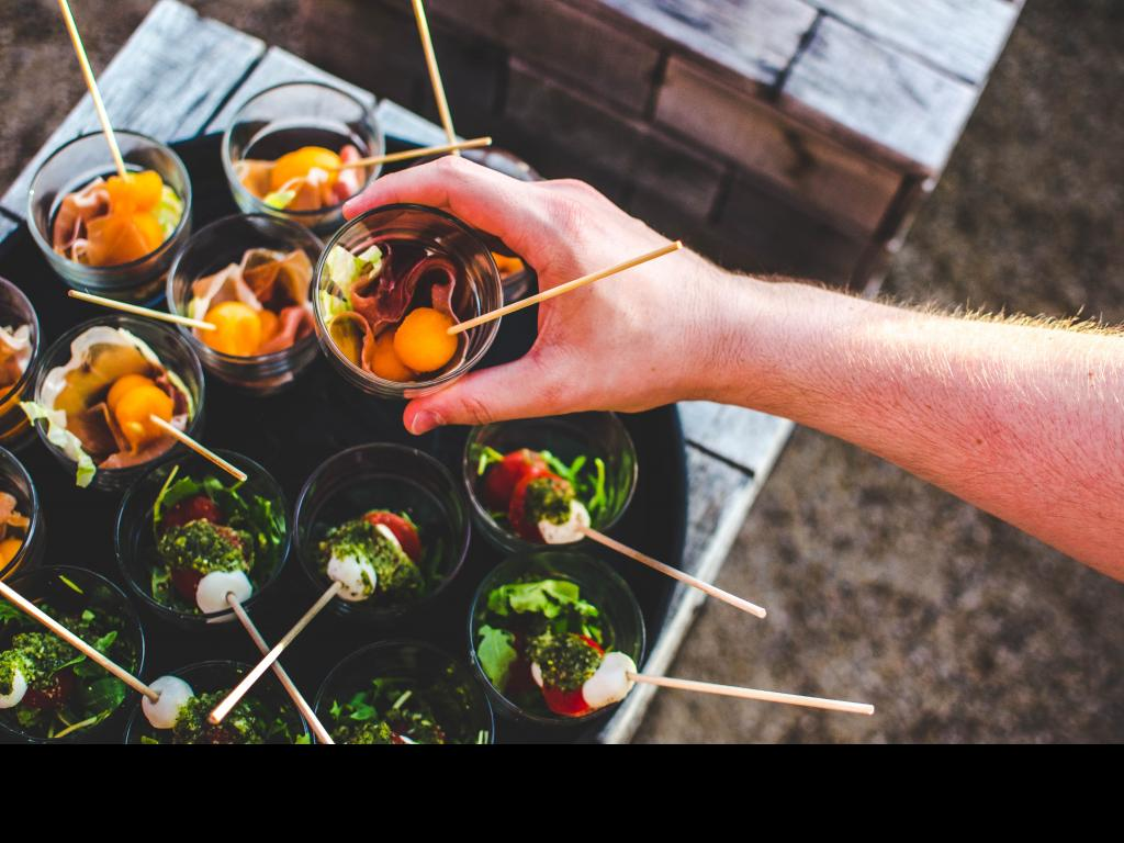 New to catering? practical tips on choosing the right catering equipment